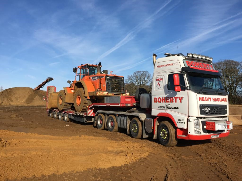 Heavy Transport of abnormal construction digger load from Bedfordshire to Hertfordshire